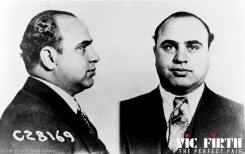 138.jpgGangsters like Al Capone facilitate drinking through the bootlegging