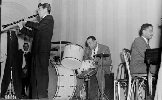 Drummers like Zutty Singleton helped to usher in the swing era