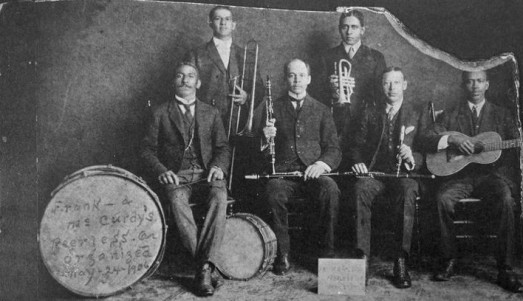 Jean Vigne με την Frank and McCurdy_s Peerless Orchestra, το 1906